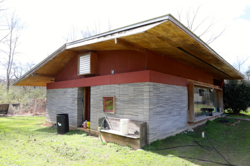 Carpethouse1